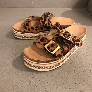 Leopard strapped with gold buckle platform sandals
